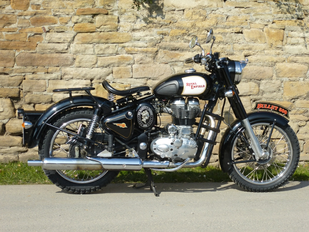 Royal_Enfield_Bullet_Classic_500-1