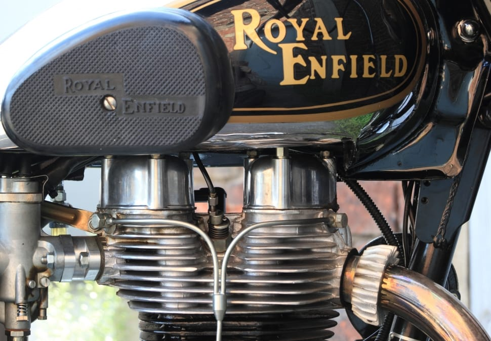 royal-motorcycle-engine-single-motor-wallpaper-preview